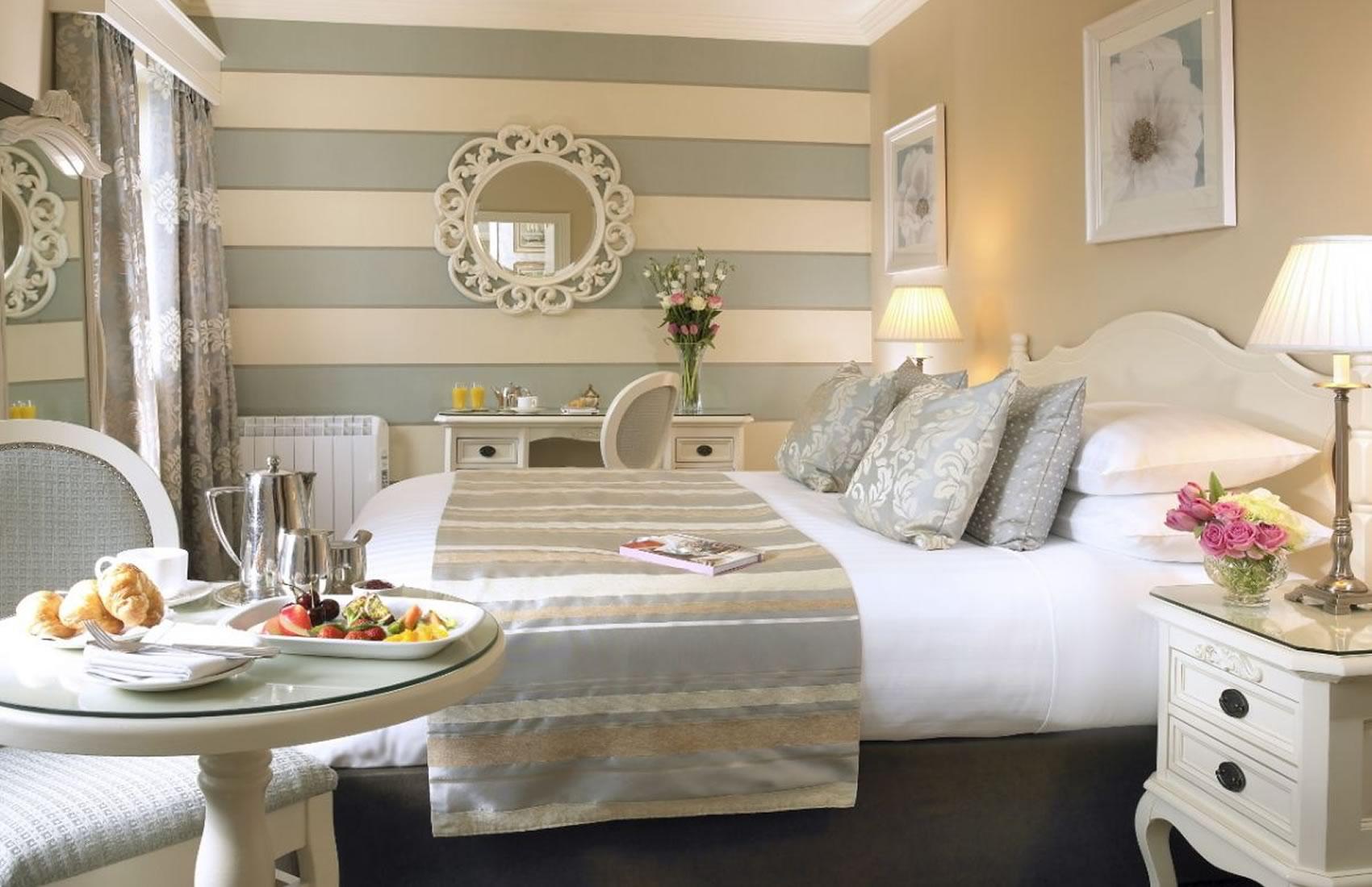 26   Classic Guestroom